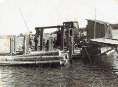 Plostnieki darbā. 20.gs. 50.gadi.