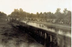 Plostnieku sacensības Gaujas - Baltezera kanālā. Foto 20.gs. 50.gadi.
