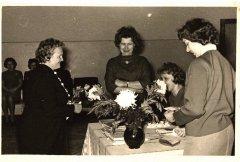 Ādažu slimnīcas darbinieki svētku reizē. Foto ap 1969.gadu.