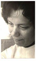 Ādažnieku iecienītā daktere Aina Zara, kura 45 gadus nostrādāja par ginekoloģi Ādažu slimnīcā. Foto ap 1984.gadu.