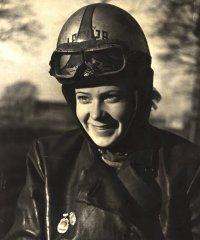 Motosportiste Baiba Šīrone - Zirne. 20.gs. 50.gadi.